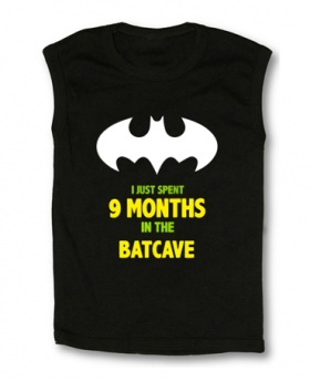 Camiseta I JUST SPENT 9 MONTHS IN THE BATCAVE TB